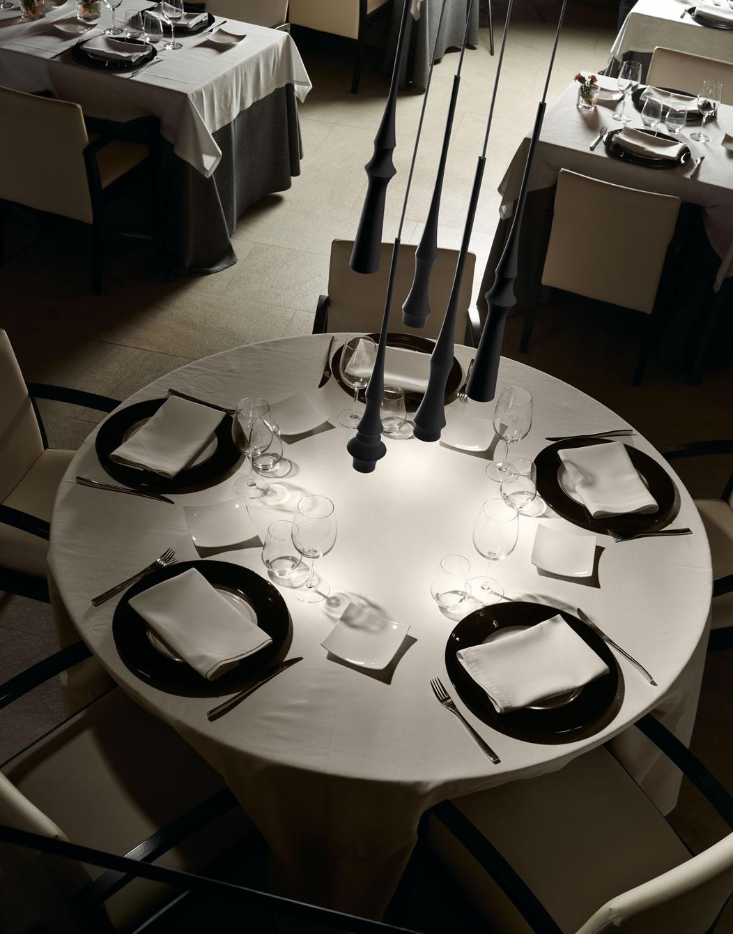 Stijlvolle moderne eettafel hanglampen