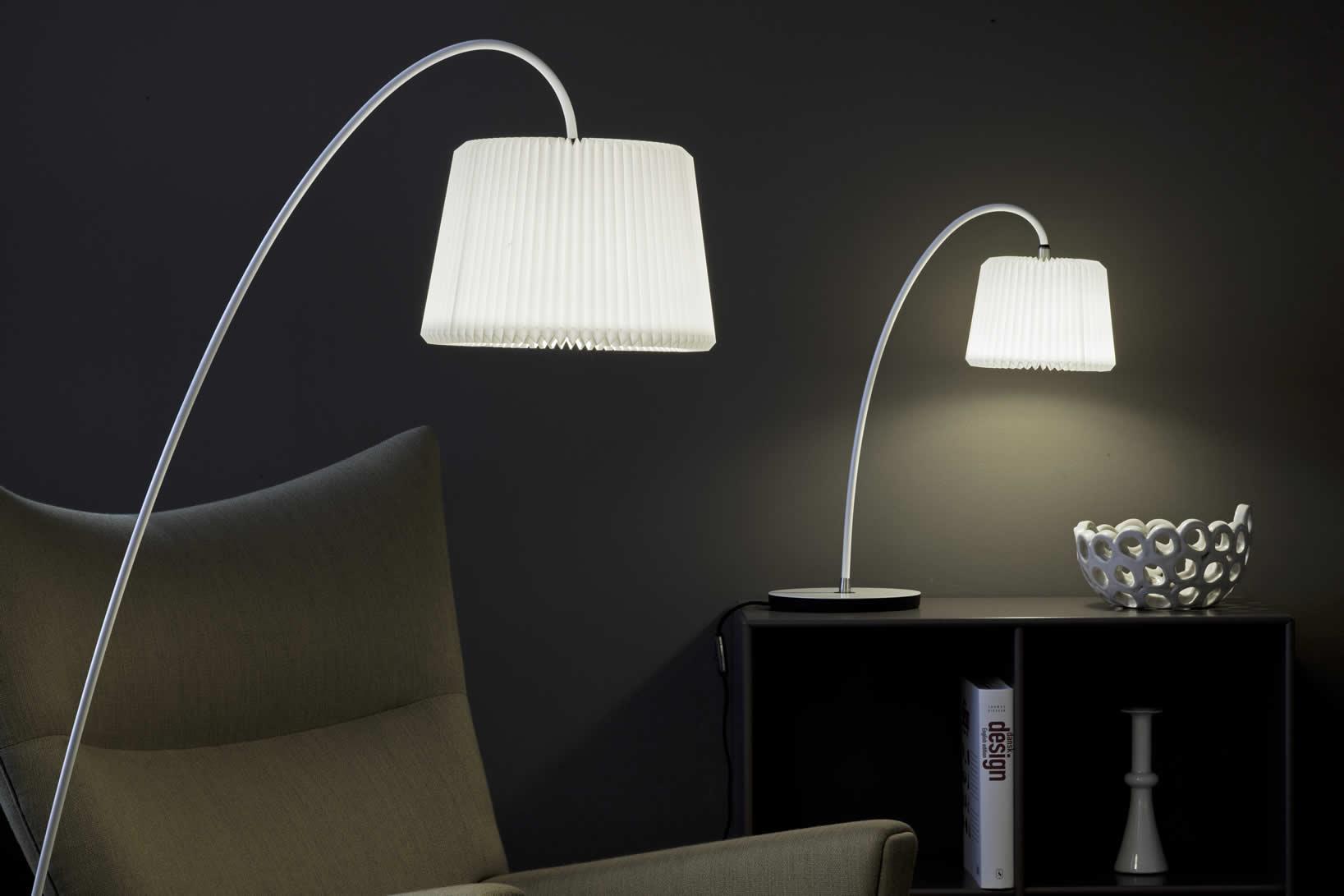 Moderne design staande lamp met en klassieke touch