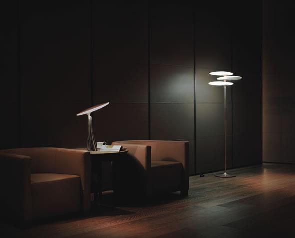 led vloerlamp en leeslamp met reddot design award. Black Bedroom Furniture Sets. Home Design Ideas