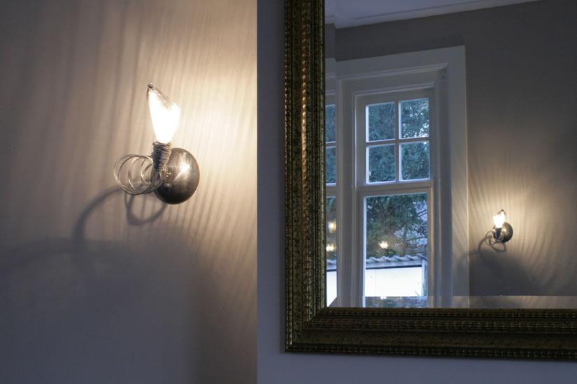 Slaapkamer Wandlampjes: Heerlijke warme bontjes in combinatie met wit ...
