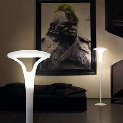grote, strakke staande lampen met goede licht verspreiding